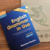 英会話に使える文法を学びたいなら絶対おススメの本。ケンブリッジGrammar in Use。